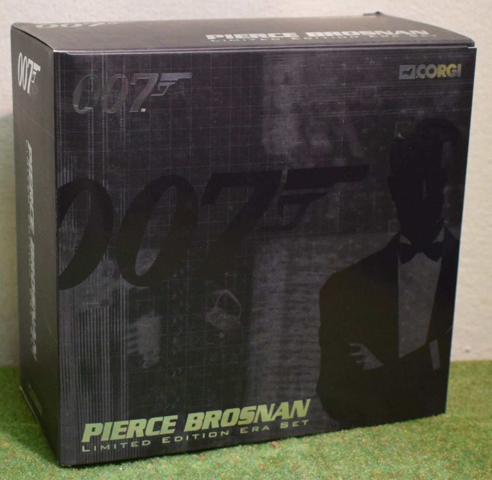 Corgi James Bond 007 Die Cast Limited Edition Era Set Pierce Brosnan CC93992