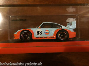 gulf racing porsche 993 gt2 hot wheels 2016 rlc exclusive in acrylic case 1 6. Black Bedroom Furniture Sets. Home Design Ideas