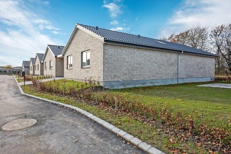 8260 rækkehus, 3, Drosbjerg
