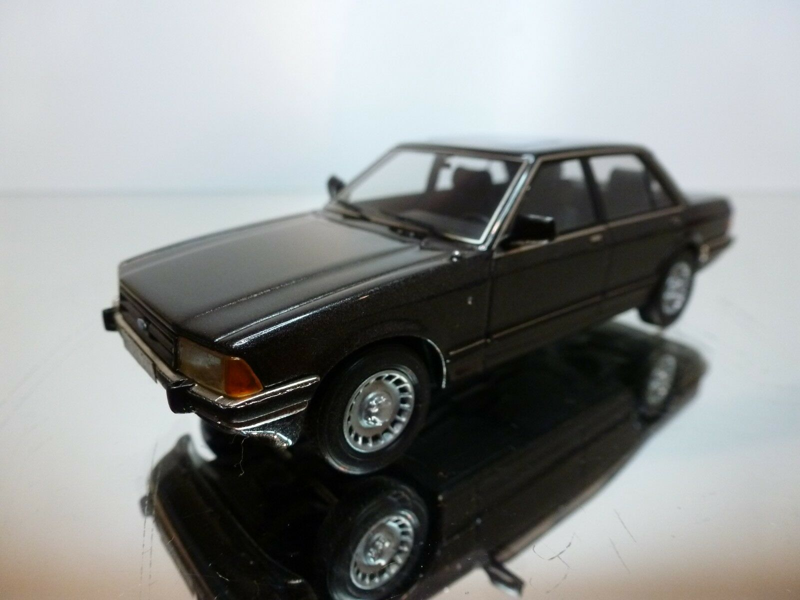 HOMBURG FORD GRANADA GHIA 4-DR 1977 - ANTHRACITE 1 43 - VERY GOOD CONDITION - 18