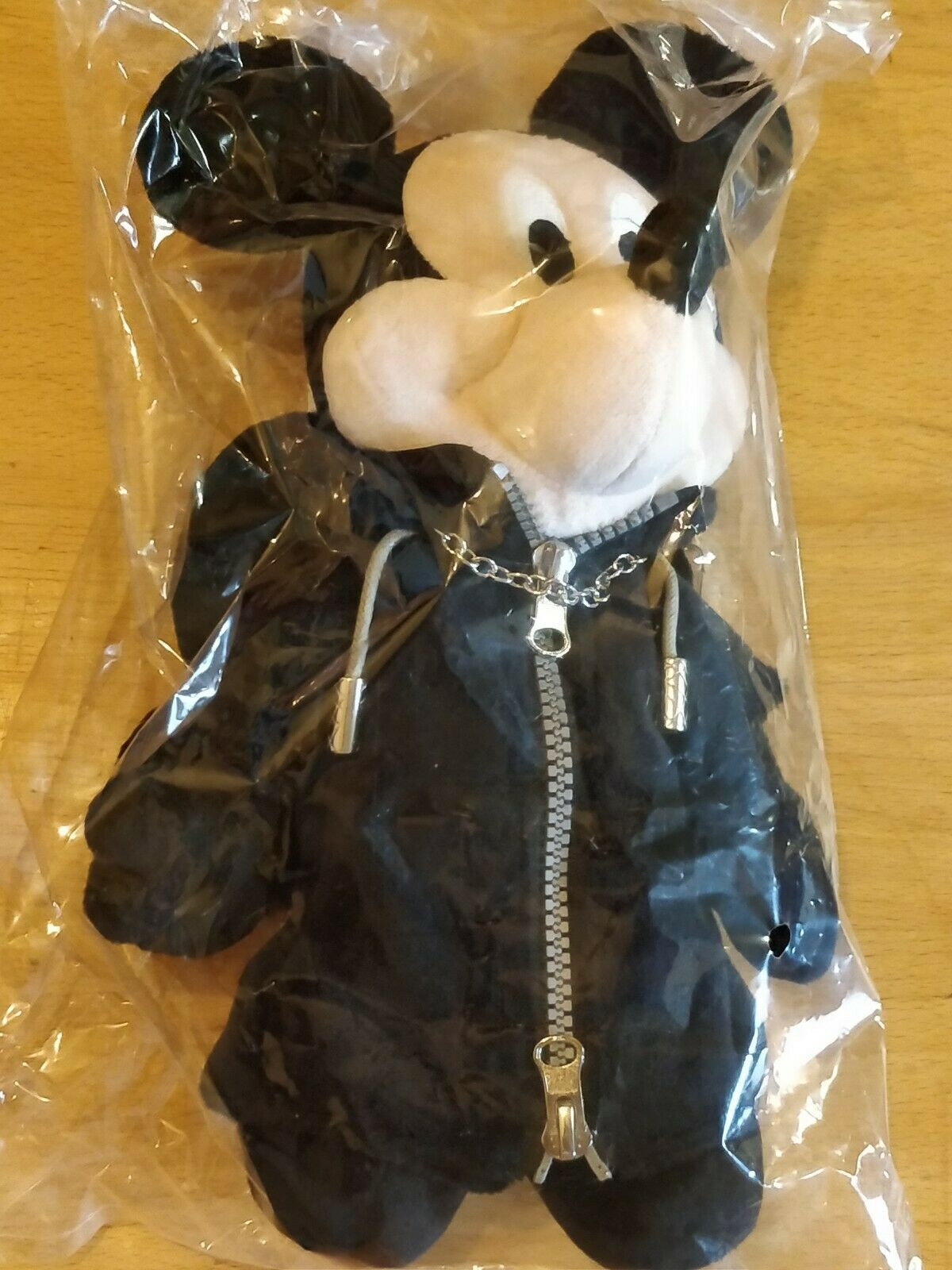 OFFICIAL SQUARE ENIX KINGDOM HEARTS KING MICKEY PLUSH SOFT TOY - NEW AND SEALED