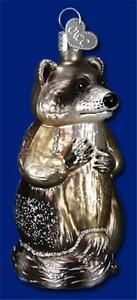 RACCOON OLD WORLD CHRISTMAS GLASS WILDLIFE WOODSY ANIMAL ORNAMENT NWT 12146