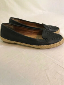 Sofft-womens-shoes-size-7M-black-leather-comfort-flats