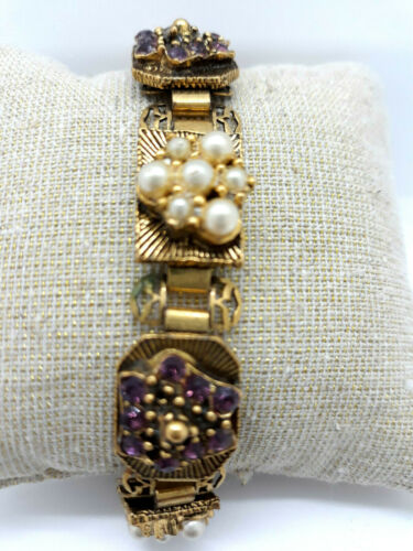 Unsigned KISSING KOI Vintage Gold Tone Bangle Bracelet Green Center Faux Pearls