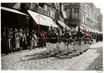 18985/ Originalfoto 6x9cm, Parade Berlin Frankfurter Str. vor Schuh-Beigel
