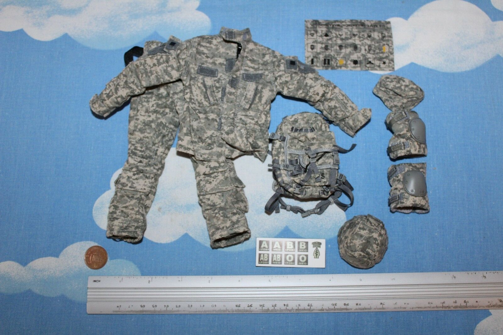 TOY SOLDIER WORKSHOP 1 6TH SCALE US SPECIAL FORCES IRAQ OUTFIT W BADGES CB32631
