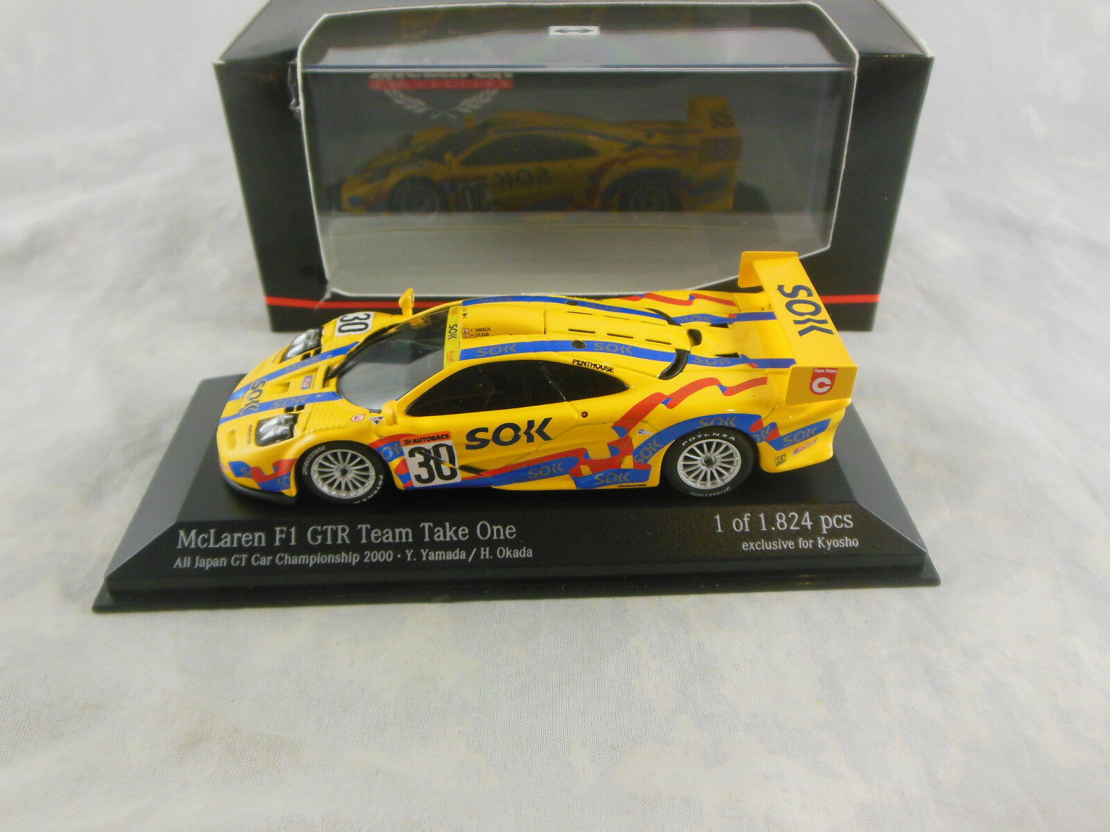 Minichamps 533 204330 McLaren F1 GTR  Japan GTC 2000 Team Take One Y Yamada