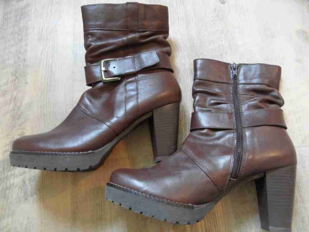 RONALDI stylische Leder Stiefeletten m. Schnalle braun Gr.  41 NEUw.  Gr. SP517 2ecdfd
