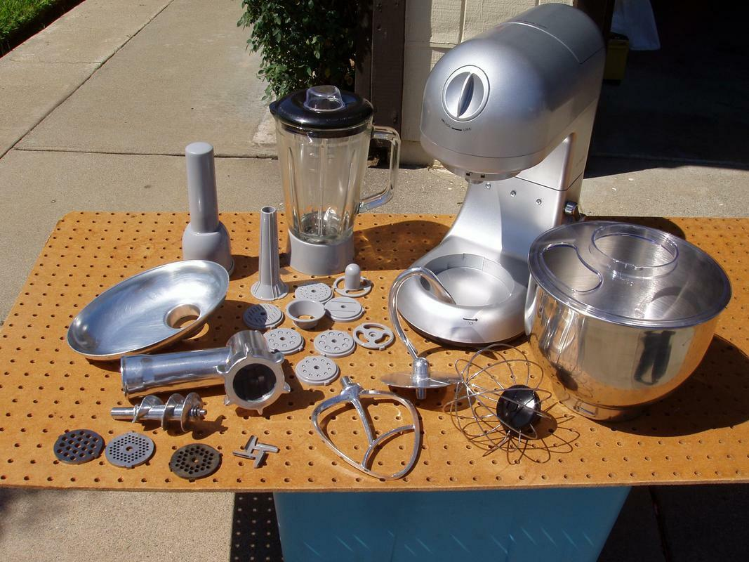 DR TECH SM-1086 STAND MIXER MEAT GRINDER & BLENDER w ATTACHMENTS NICE CONDITION