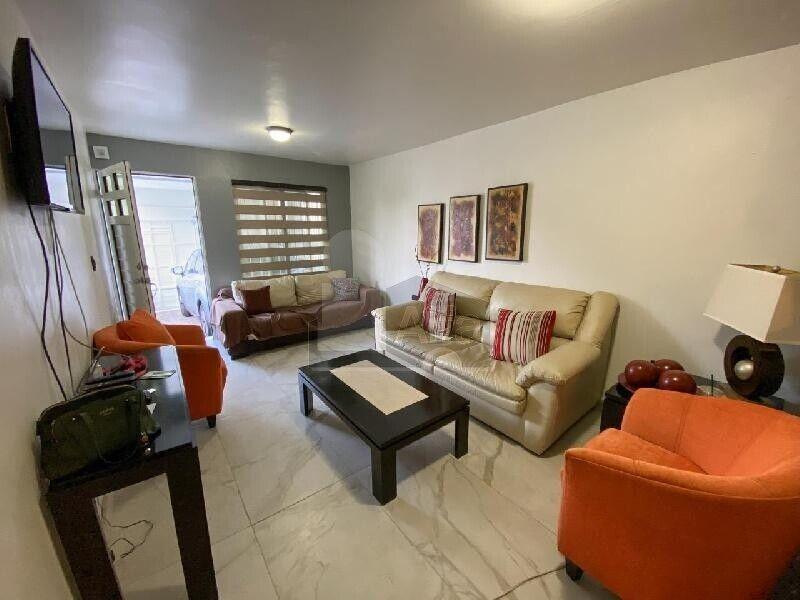 Casa en venta Col. Mirador Residencial, Monterrey, Nuevo León.