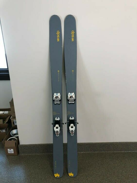 186cm DPS Wailer 112 RPC Powder Skis With New Griffin Bindings