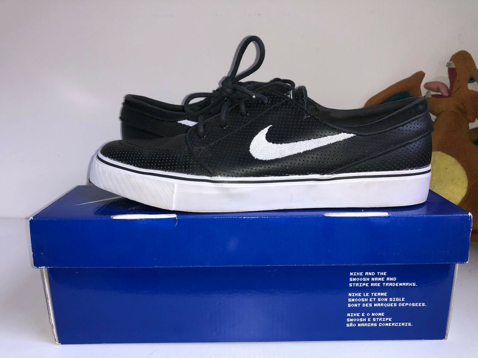 Nike Stefan Janoski Trainers - Black   Black Perforated
