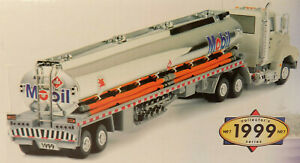 1999-Mobil-Chrome-Gasoline-Tanker-Tractor-Trailer-with-Sounds-amp-Lights-NOS