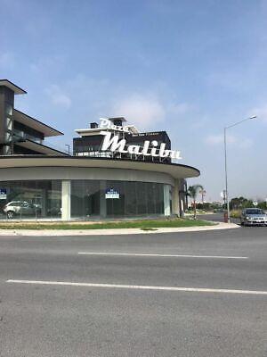 Local en Venta en Plaza Malibu, Cumbres del Sol.- 7668