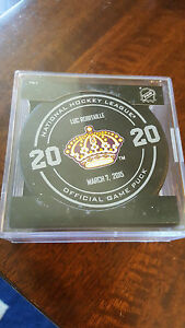 2014-15-SHERWOOD-LUC-ROBITAILLE-LOS-ANGELES-KINGS-STATUE-UNVEILING-GAME-PUCK-3-7