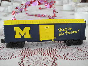 2008-Lionel-6-25071-University-Of-Michigan-Hail-To-The-Victors-Boxcar-U-Of-M
