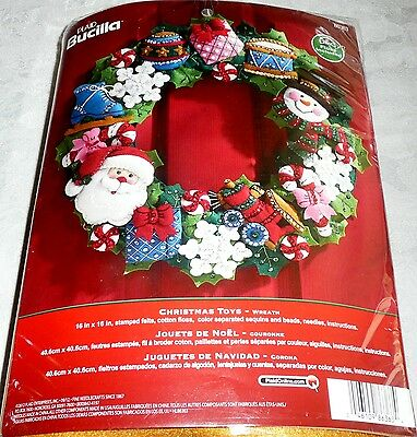 Bucilla Felt WREATH Kit CHRISTMAS TOYS