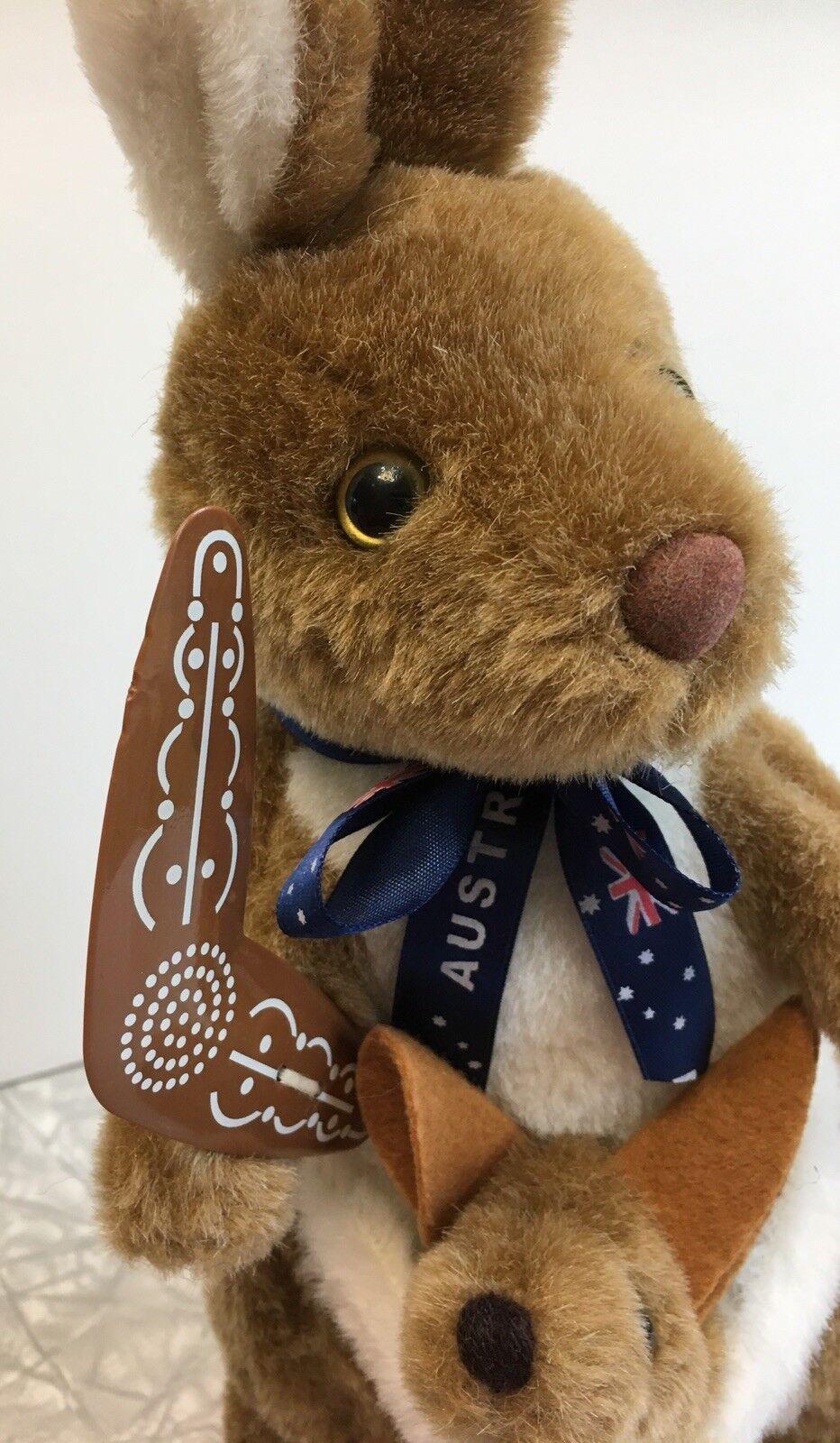 Happy Memories From Australia Plush Kangaroo & & & Baby Joey Boomerang d40eaa