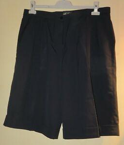 69963fc641678 Bermuda Femme couleur bleu marine taille 48 Bruno Saint Hilaire | eBay