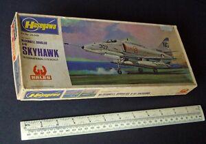 McDonnell-Douglas-A-4F-Skyhawk-Hasegawa-Hales-UK-1970s-Import-Kit-1-72-Scale