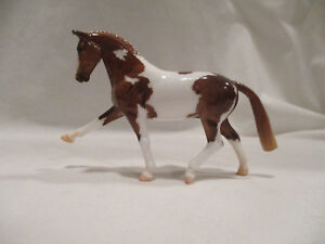 Breyer-Stablemates-Collector-039-s-Club-Shiloh-Glossy-Hanoverian