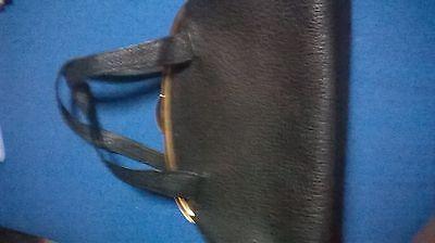 Lederhandtasche , ca 60 Jahre , Schwarz , Maße 30 breit , 22 hoch
