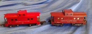 Vintage-Toy-Train-American-Flyer-930-638-Caboose-Gilbert-Red-Brown-Lot-of-2