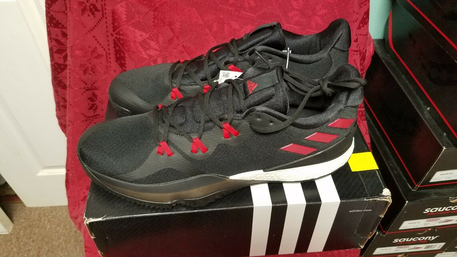 ADIDAS  MENS  CRAZY LIGHT BOOST 2018 SNEAKERS   SIZE 11