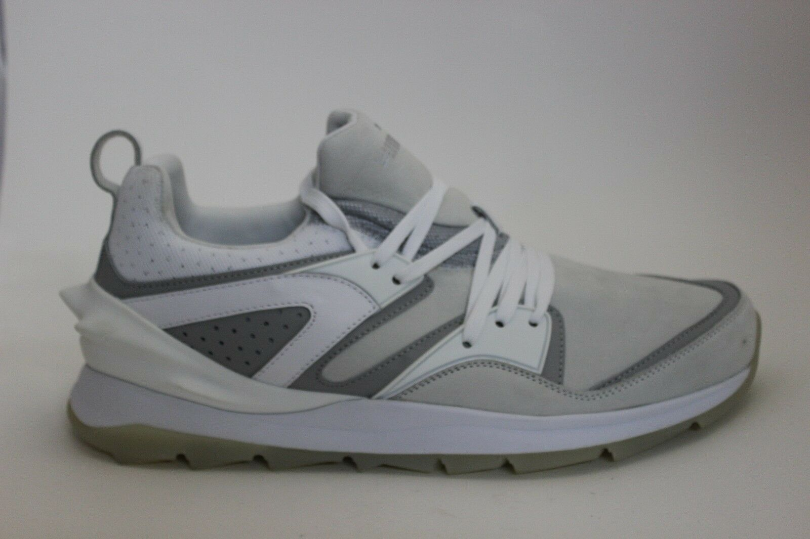 BLEMISHED Men's Puma Blaze Swift Tech 35782402 White New In Box BLEMISHED