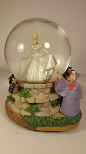 DISNEY-CINDERELLA-FAIRY-GODMOTHER-MUSICAL-ANIMATED-SNOWGLOBE-EXCELLENT-COND