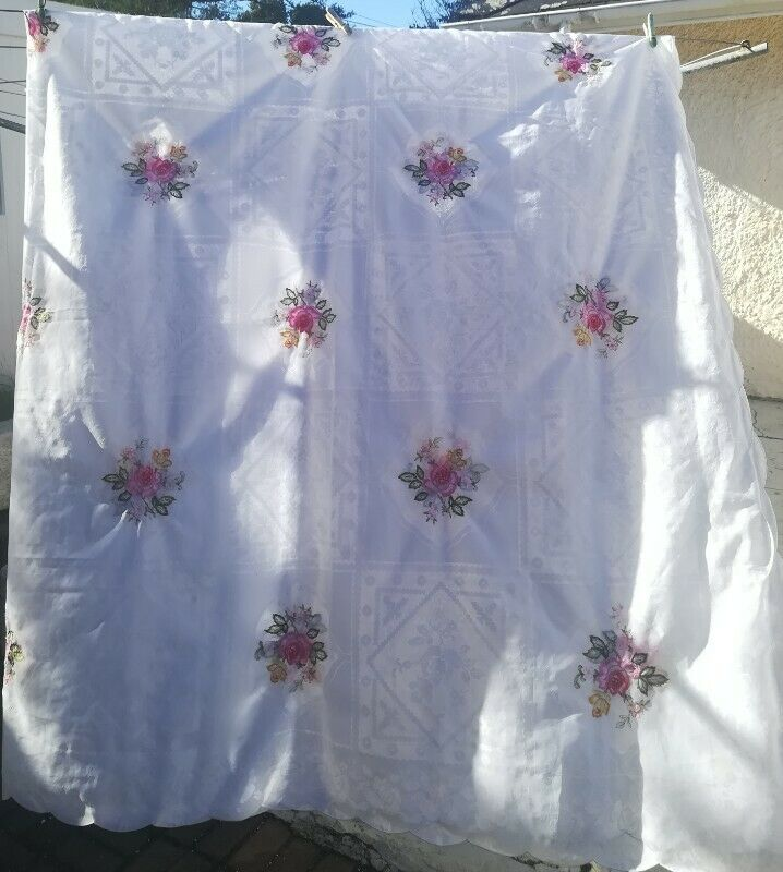 Table-Cloth and Serviettes for sale