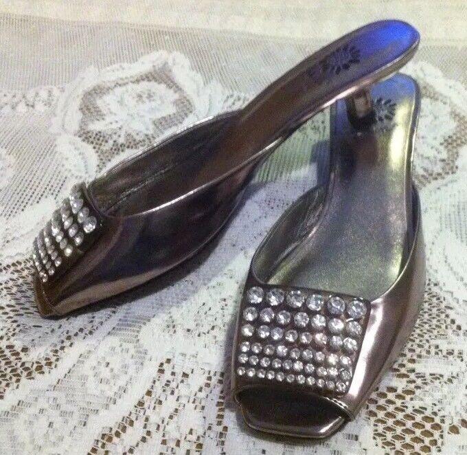 ️YELLOW BOX  Savvy  Rhinestones Buckle Peep Toe Silver Slip On Kitten Heel 6.5