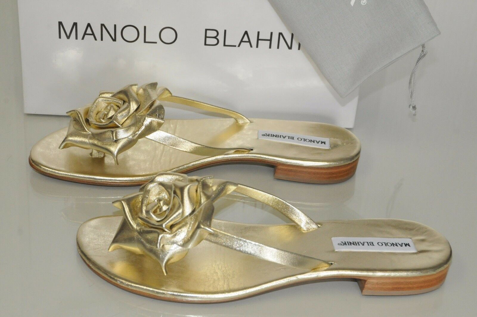 735 New Manolo Blahnik Patricia gold Leather Thong Flats Sandals shoes 40.5