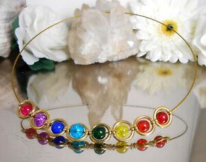 Halsreif-Edelstahl-bunte-Crackle-GLAS-Perlen-in-gold-Acryl-Rahmen-Collier