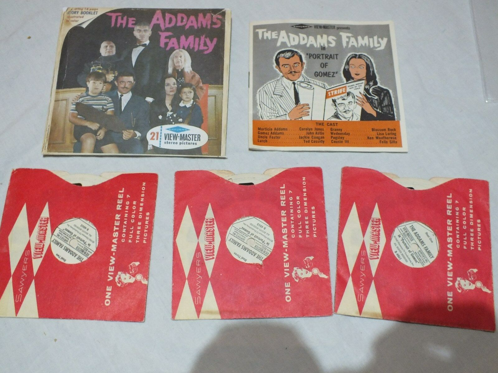 THE ADDAMS FAMILY FAMILY FAMILY VIEWMASTER REELS 1965 SET B486 VERY RARE   C737 499a04