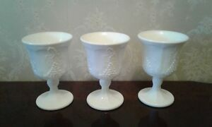 Vintage Indiana Colony Milk Glass Opaque White Harvest Grape 8 ounce Glassware Excellent Condition 4 Pieces No Chips or Cracks