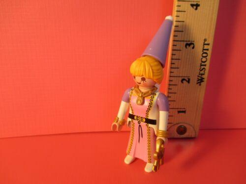 orig pkg PM#9242 Playmobil SERIES 12 MEDIEVAL WOMAN W// KEYS /& TALL HAT new fig