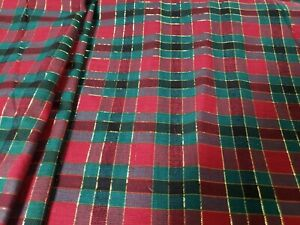 Green-Red-Black-Gold-Stripe-and-Squares-Christmas-Fabric-1-Yard