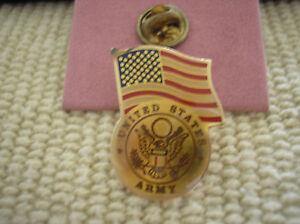ARMY-ENAMEL-HAT-PIN-UNITED-STATES-ARMY-WITH-U-S-FLAG