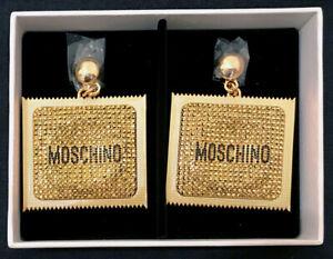 Dettagli su BNWT MOSCHINO [TV] H&M collaborazione Gold Plated preservativo Square Clip Orecchini mostra il titolo originale