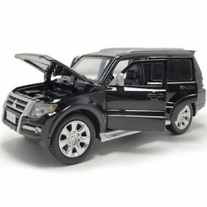 1-32-Mitsubishi-Pajero-SUV-Die-Cast-Modellauto-Spielzeug-Schwarz-Sammlung