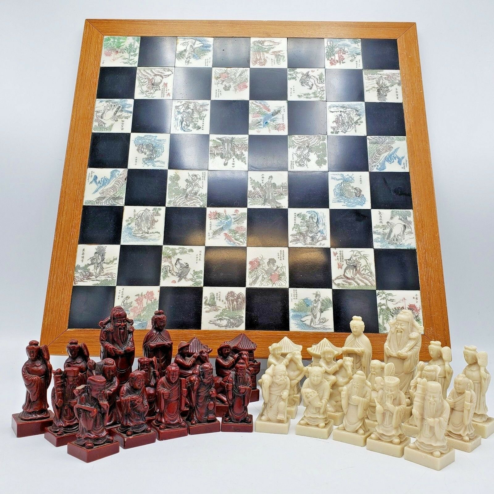 Decorator Asian Style Chess Set w  Resin Pieces