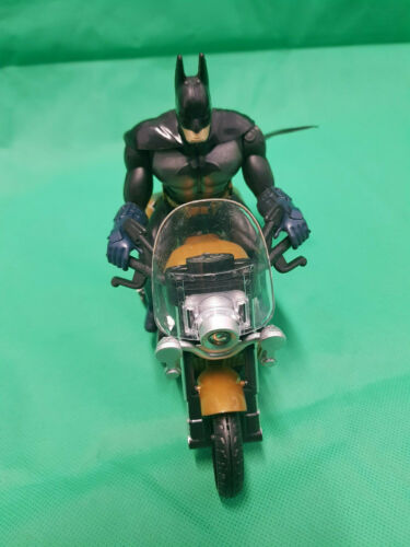 Batman Marvel Super Heroes Toy Motor Bike Harley Bump /& Go Music Led Light Kids