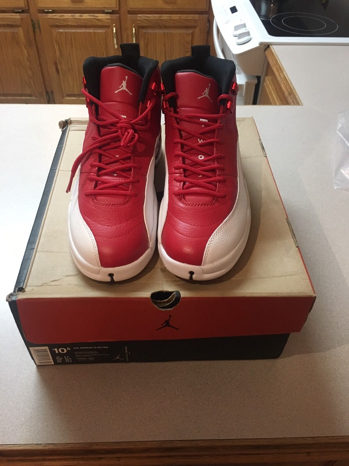Jordan 12 gym red size 10.5