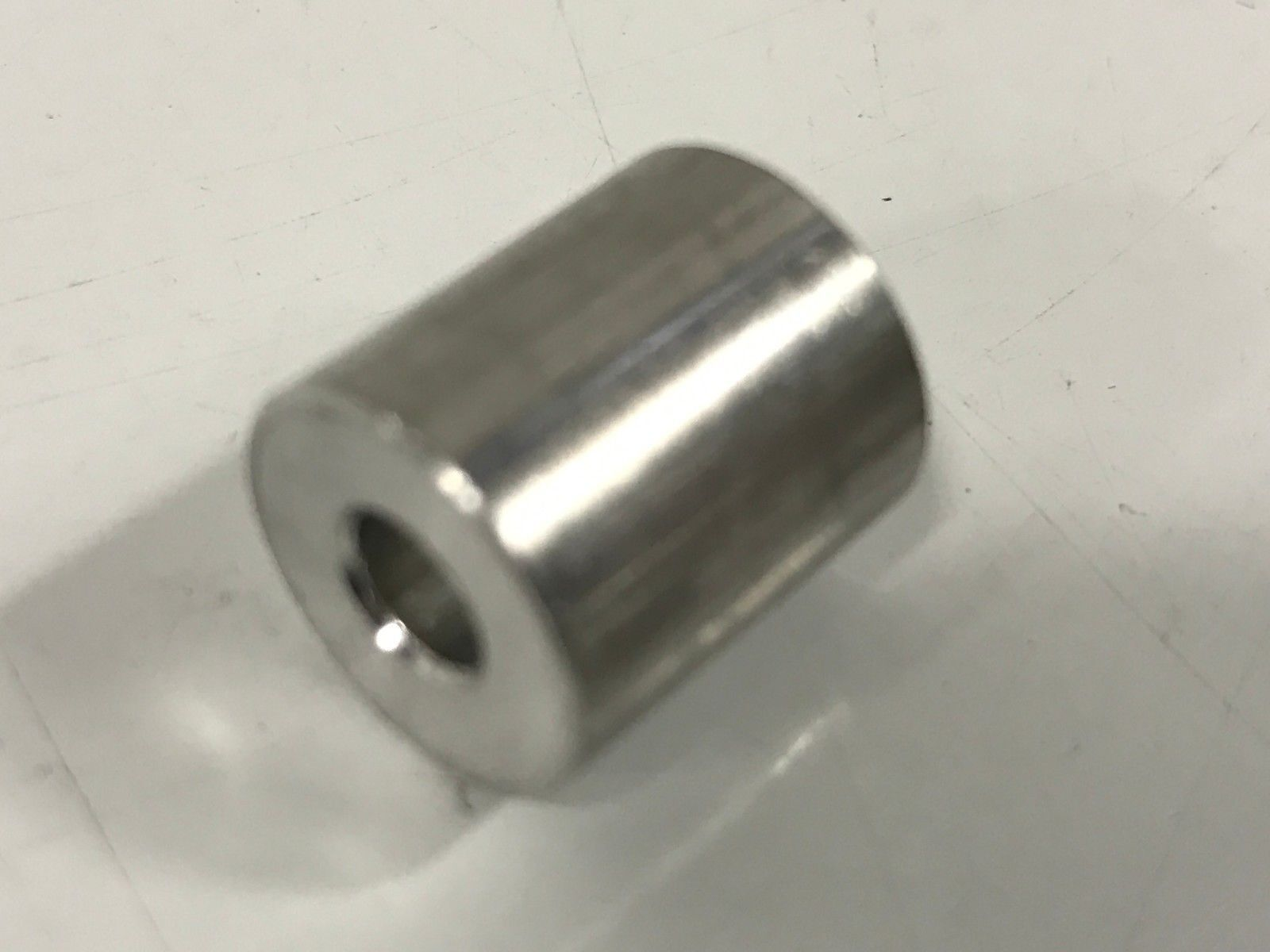 18-8 Stainless Steel 5//8 Length 3//8 OD Pack of 5 Plain Finish Round Spacer #10 Screw Size 0.192 ID