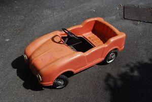 Voiture A Pedales Originale En Plastique Renault Dauphine ? 80 Cm De Long