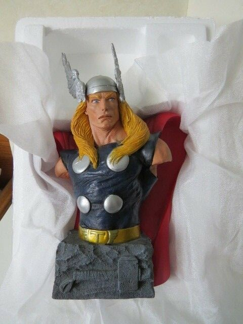 Marvel DF Dynamic Forces The Mighty Thor Bust Statue Limited Edition 602 of 1000