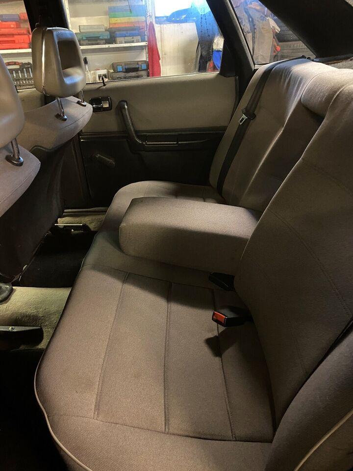 Audi 100, 2,2 E, Benzin