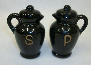 Vintage-Redware-Pottery-Black-Pitchers-Salt-and-Pepper-Shaker-Set