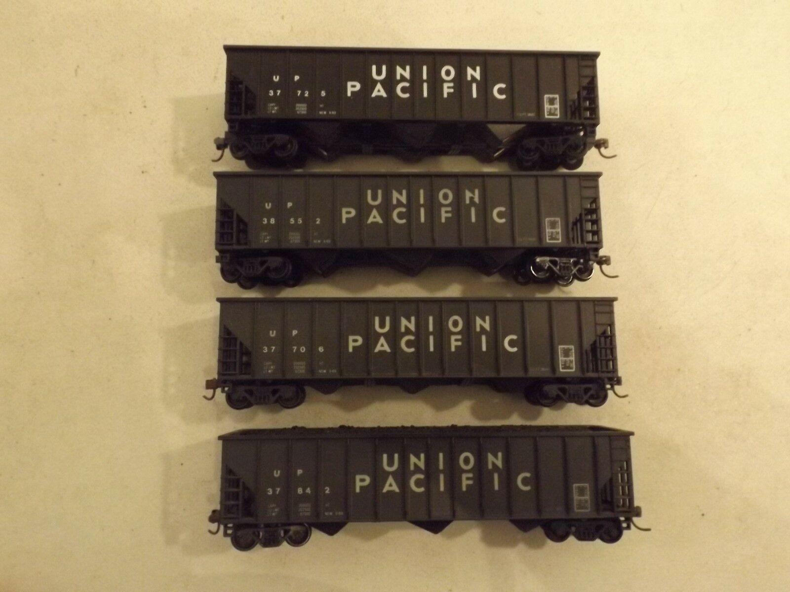 4  HO Union Pacific coal cars